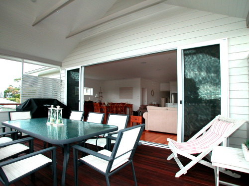 Bonaira Back deck to living