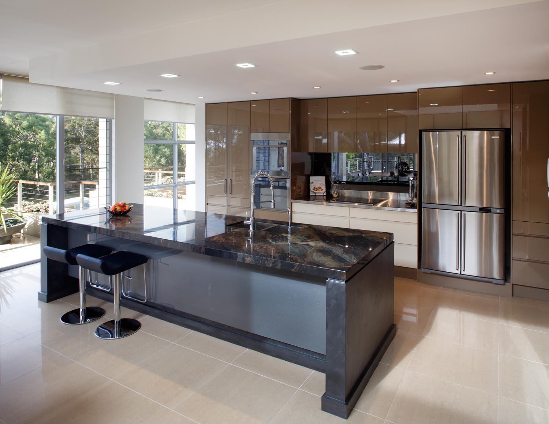 Streamlined modern kitchen