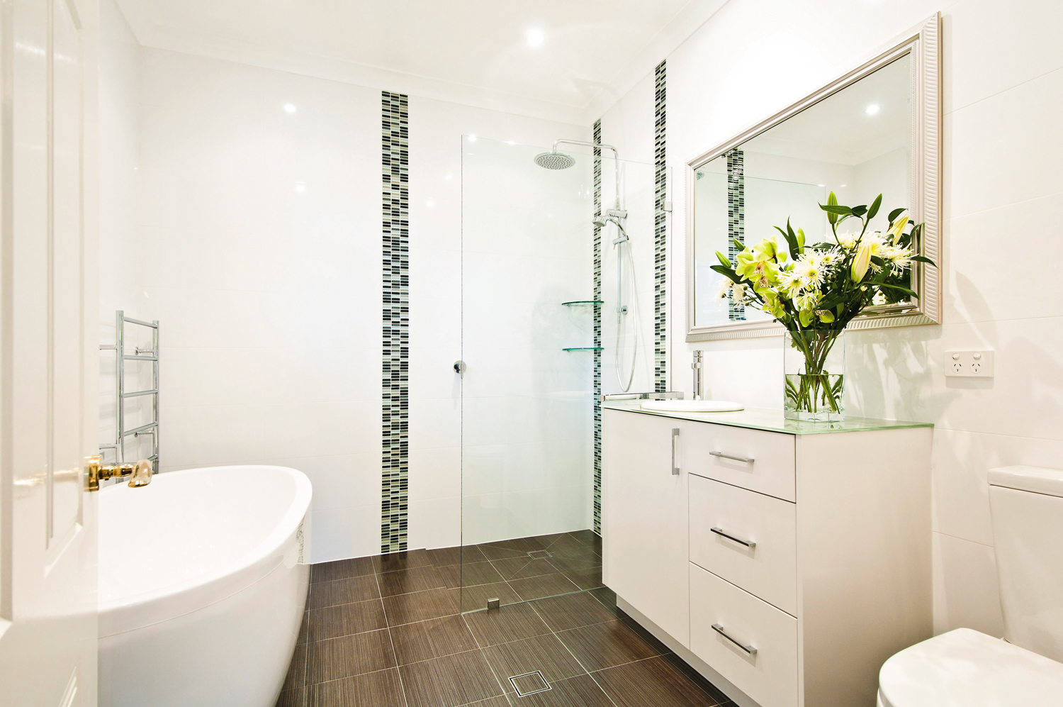 Effortless and elegant bathroom design - Completehome