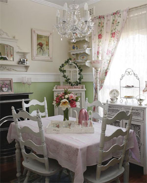 Real decorating: Pretty, soft & feminine