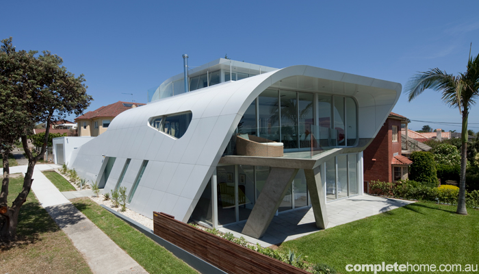 REAL HOME: The Moebius House