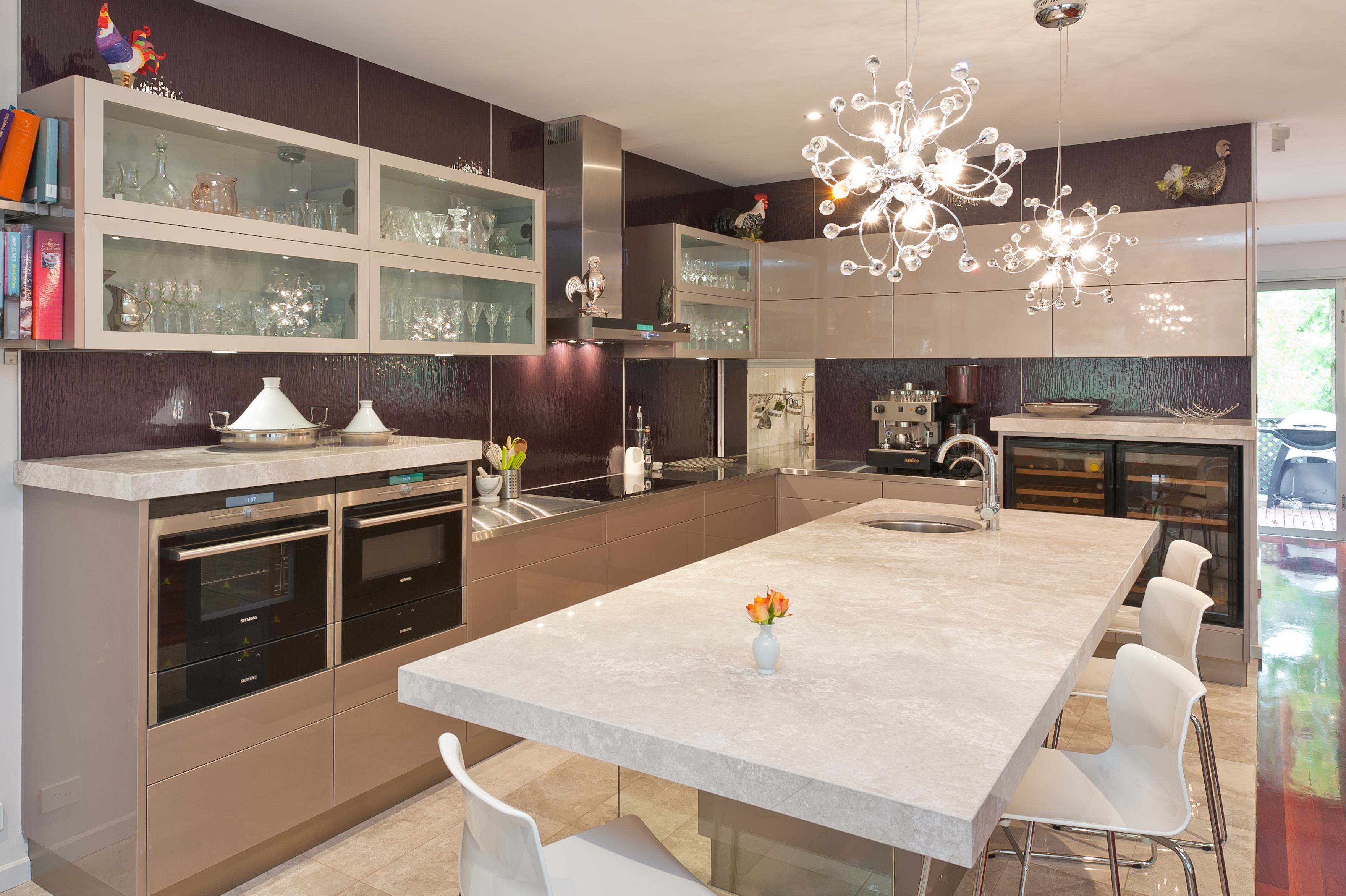 Innovative Kitchen: Perfect For Entertaining