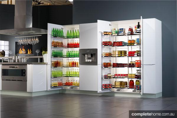 TANDEM kitchen cabinets from Häfele a smart storage solution