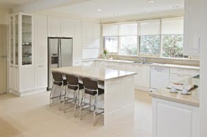 Airy light kitchen