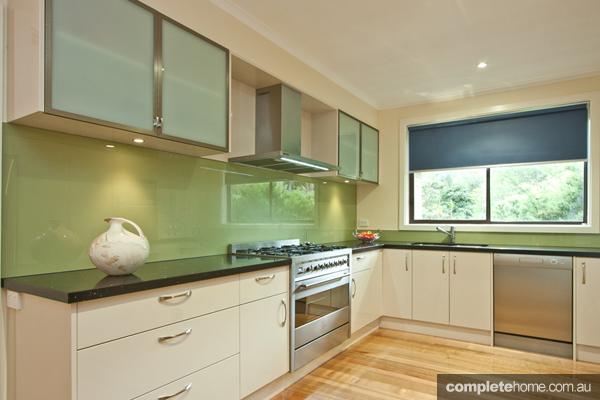 Laid-back green kitchen design