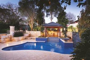 Contoured pool design