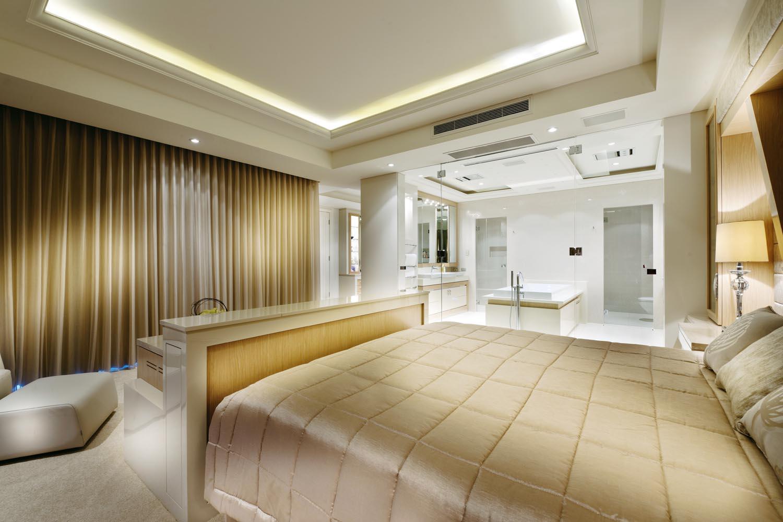 A sophisticated, luxury bathroom design