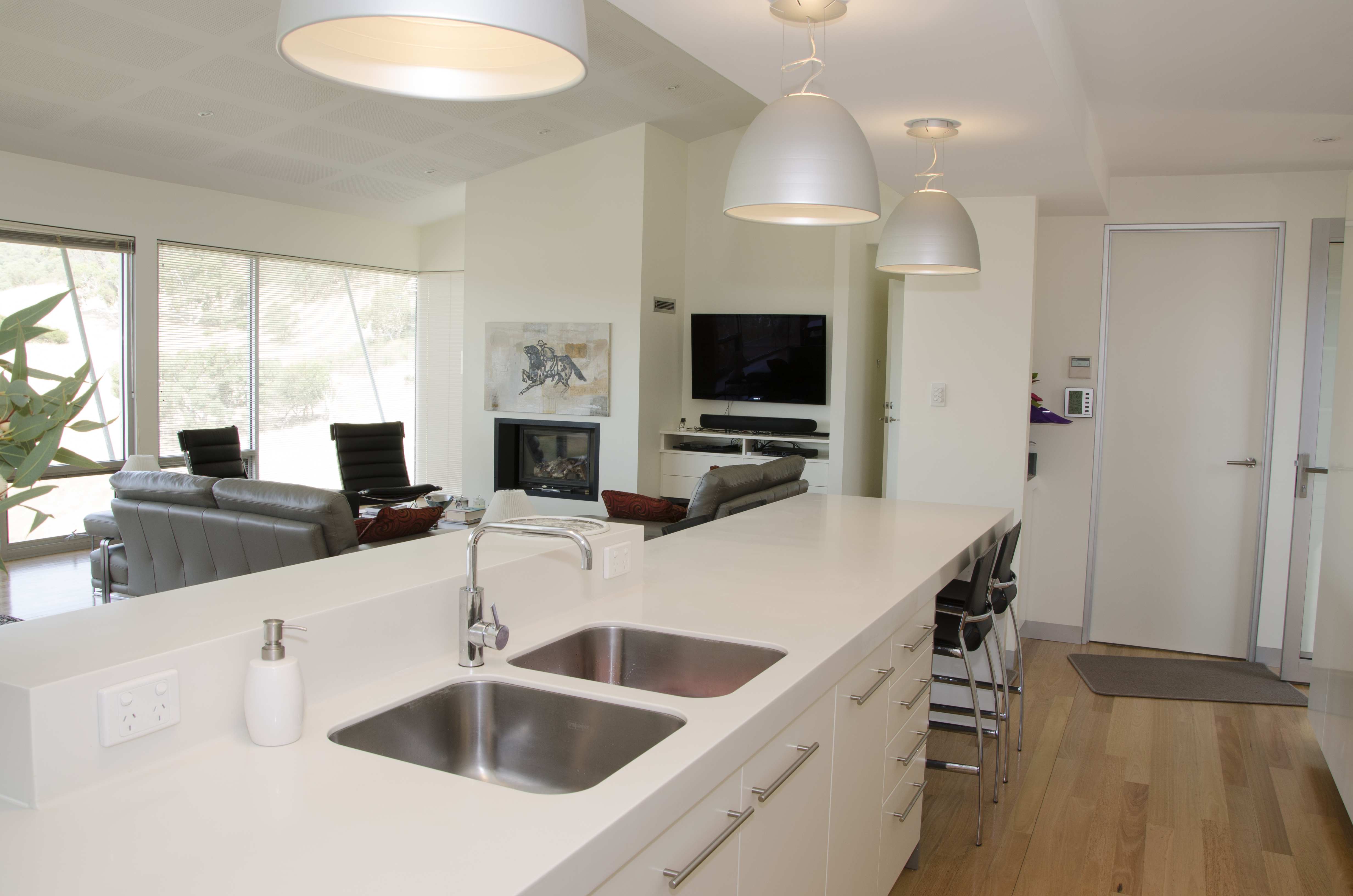 A Minimalist Kitchen Design That Is Perfect For