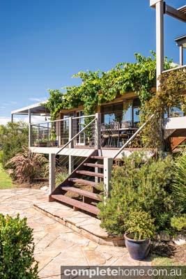Outdoor garden design - pot plants
