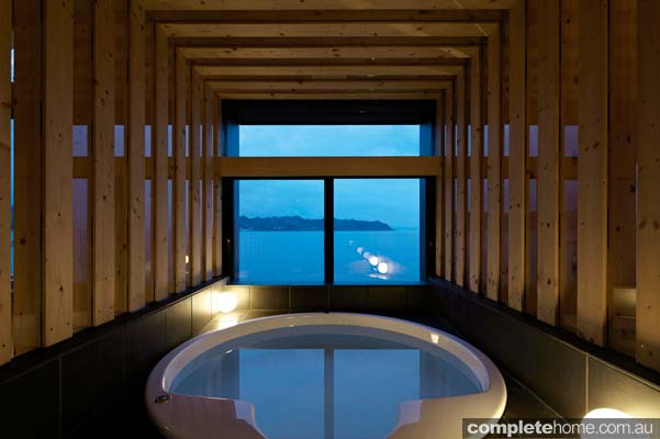 Modern japanese home - spa view