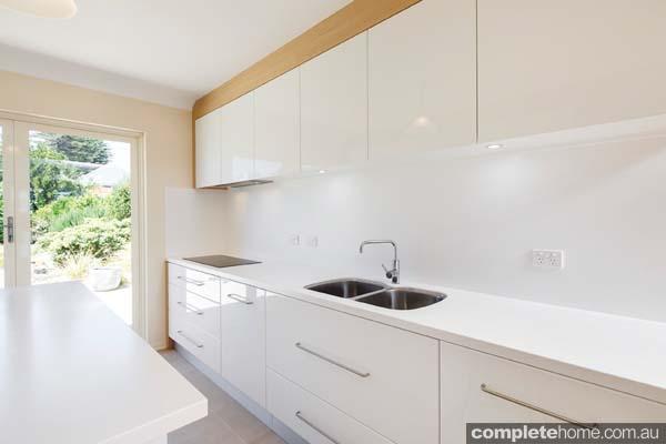Modern white kitchen - kitchen sink