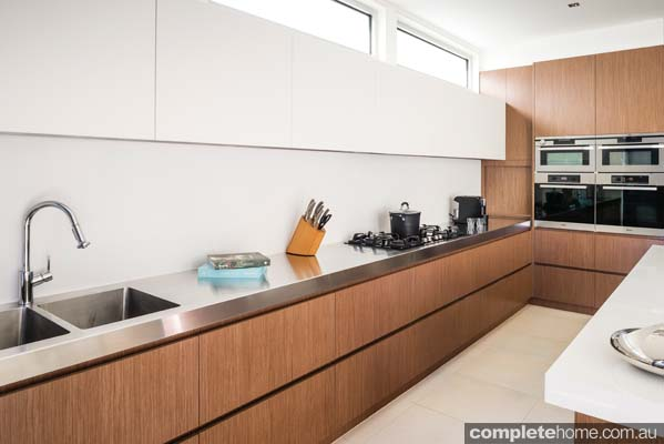 Kitchen designs and backdrops with fantastic and fresh kitchen ideas brings a whole new thought process to kitchen renovations