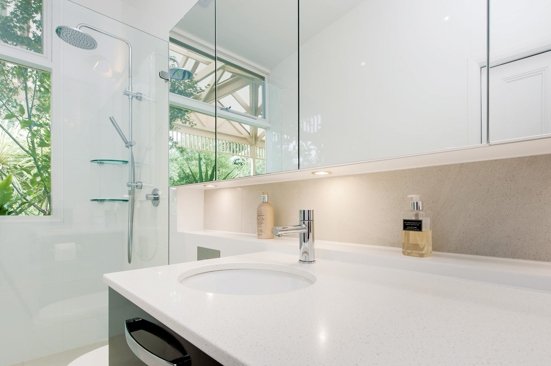 Light, minimalist and contemporary bathroom design