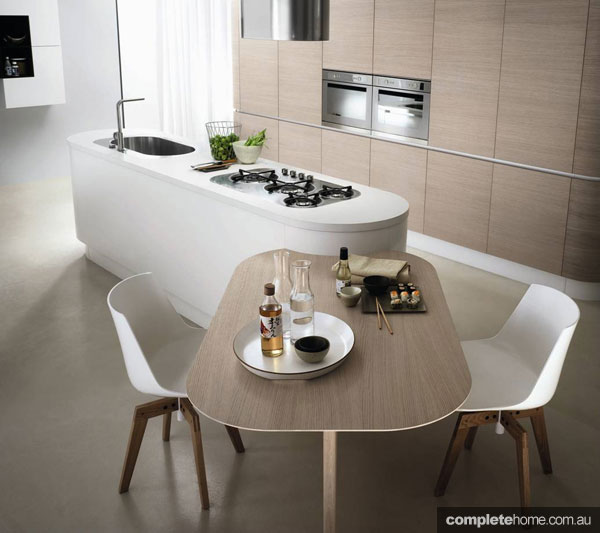 A curved kitchen from Maxima Round.