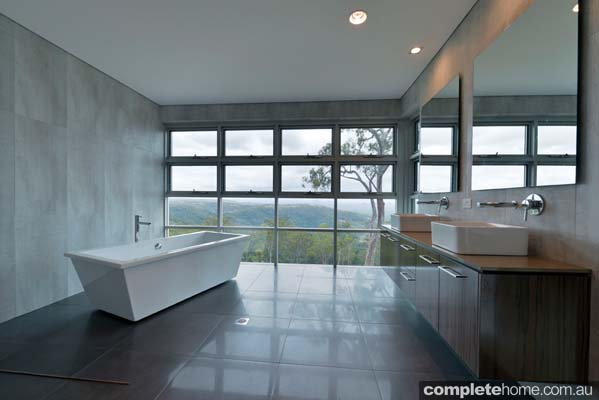 Grand designs australia ocean view house completehome for View bathroom designs