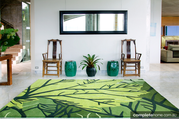 Bright leaf canopy rug creates beautiful flooring.