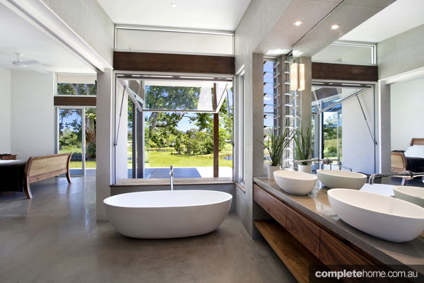 A Beautiful Open Plan Bathroom With A View. Part 25