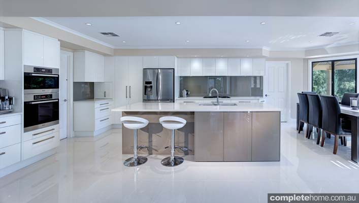 A sleek and contemporary kitchen design from Brilliant SA.