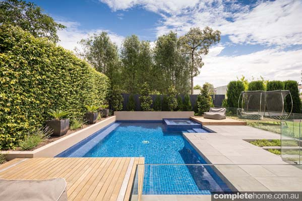 How to plan a swimming pool design completehome - Expert tips small swimming pools designs ...