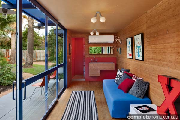 Container Guest House: inside