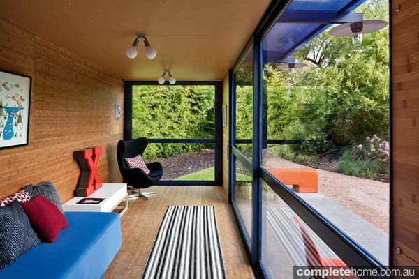 Container Guest House: compact living