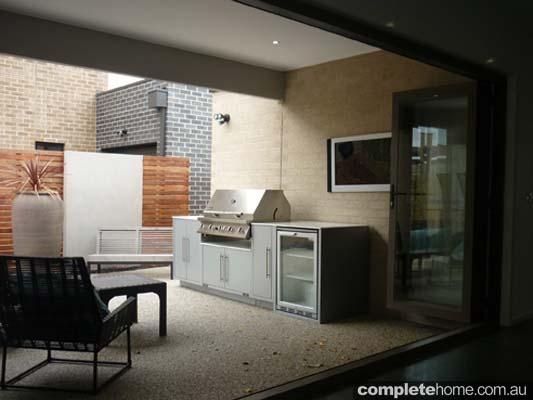 An amazing alfresco kitchen from MyAlfresco.
