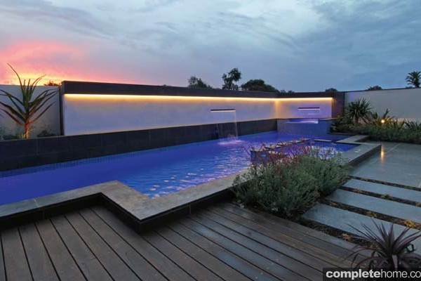 Modern pool is a structural masterpiece - Completehome