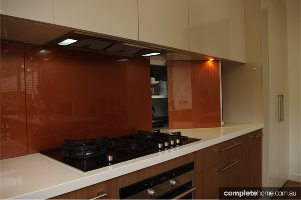 A cozy kitchen design with artful flare completehome for Kitchen designs and colours