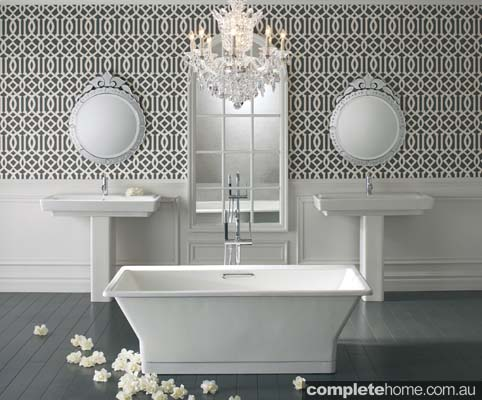 A luxury feminine cast iron bath from Kohler Reve.