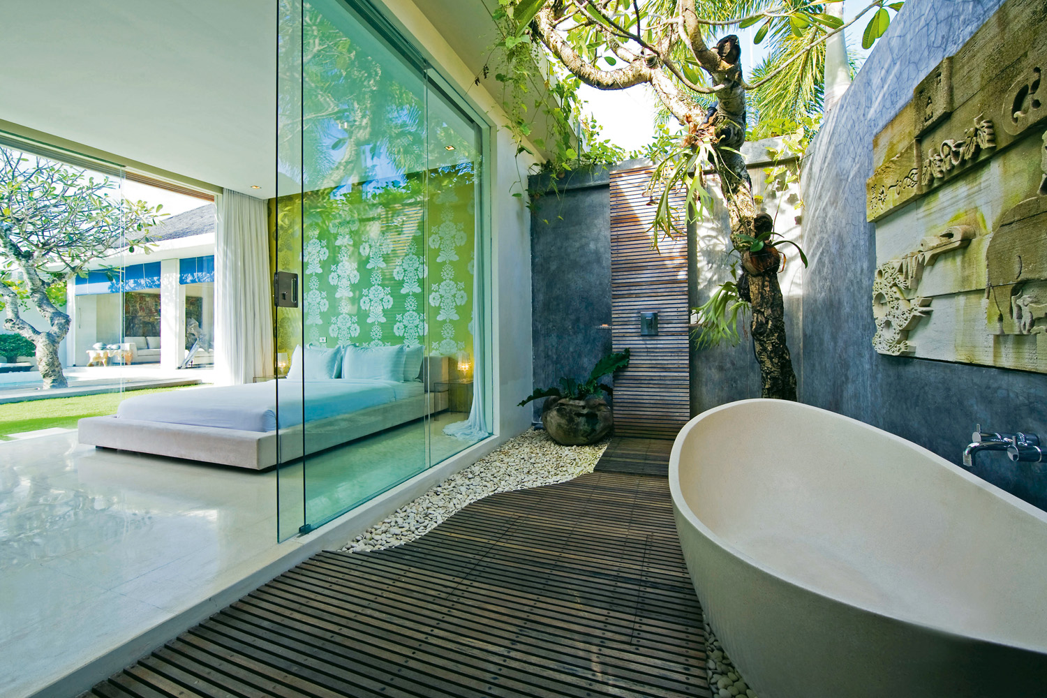 The ultimate outdoor bathroom guide completehome for Bali home inspirational design ideas
