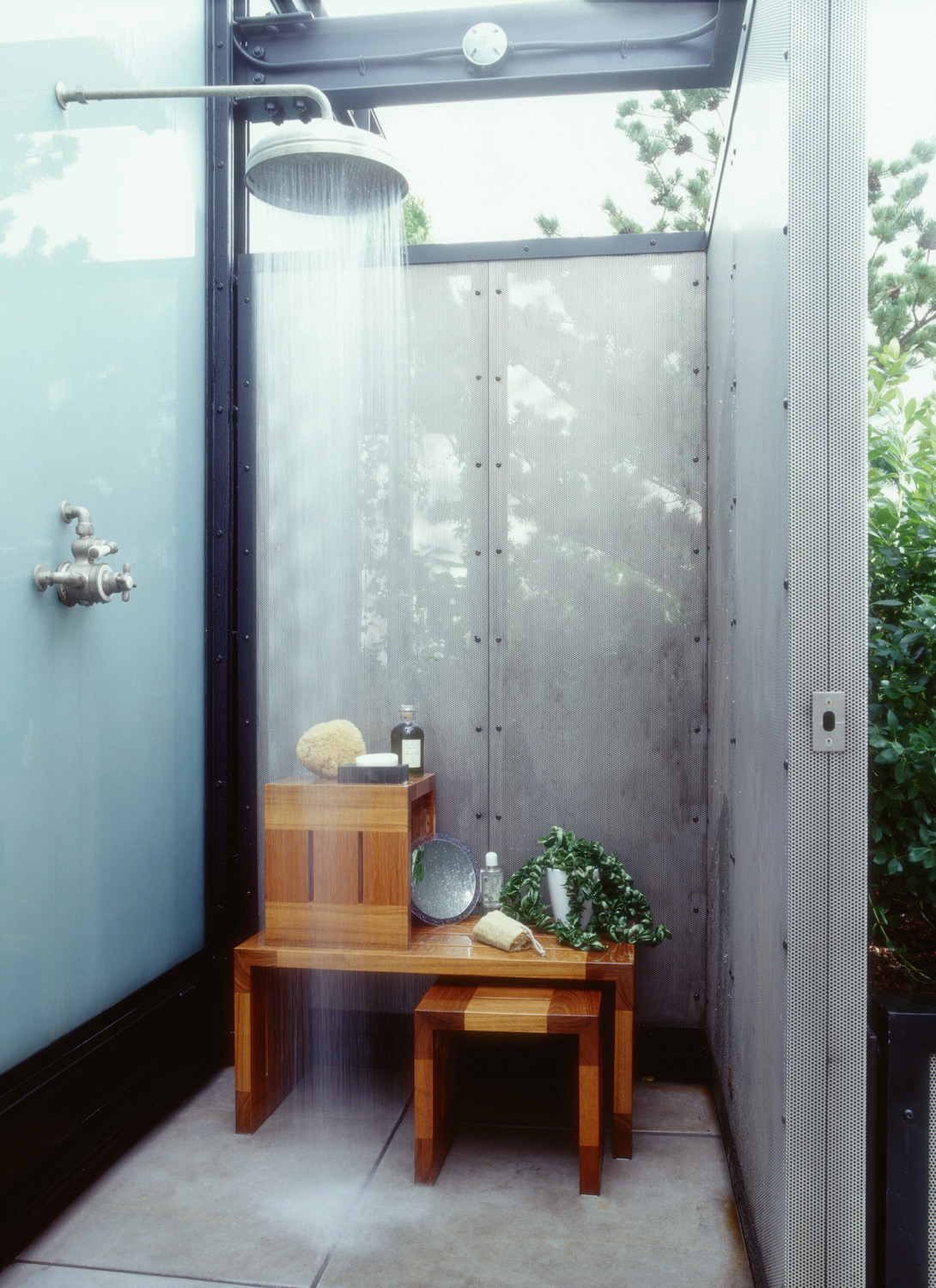 Outdoor Shower On A New York Rooftop Photo Courtesy Of Sawyer Berson Architecture Landscape