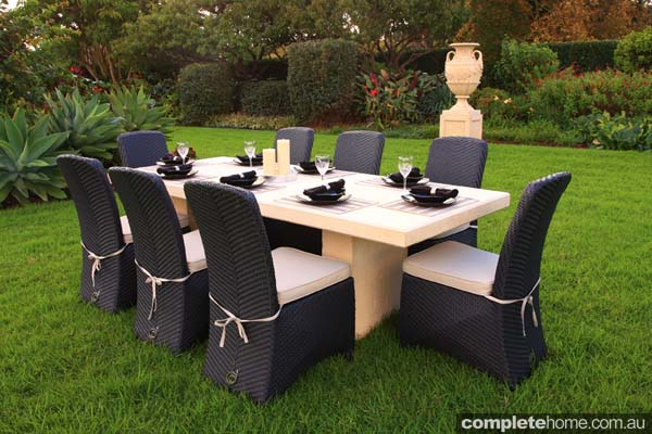 outdoor dining setting furniture by Yardware