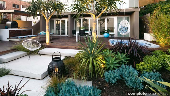 A contemporary outdoor entertaining space from Landart Landscapes.