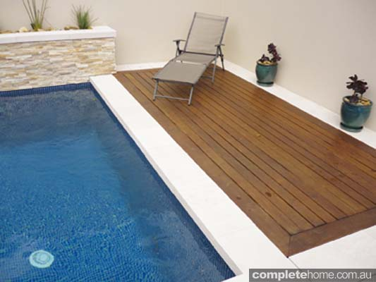Drop80 copers from SAI Sandstone give your pool area a natural look and feel.