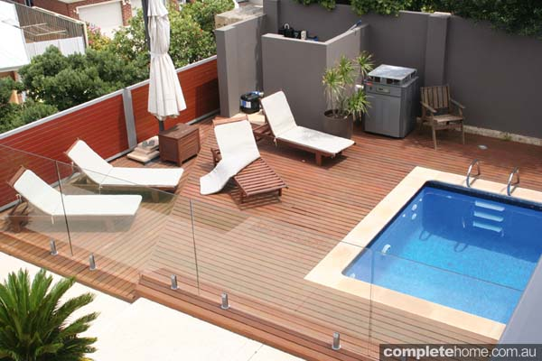 Timber-look aluminium decking from Knotwood.