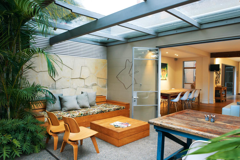 Modern Courtyard Garden Design Completehome