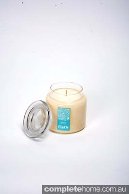 luxurious and relaxing soy scented candle