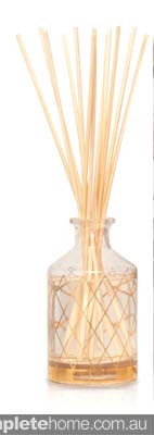 Relaxing and Indulgent bathroom scent_in Lychee flower and rose cristina re diffuser