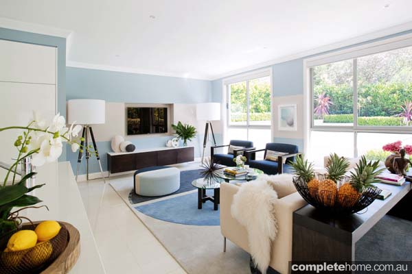 organic and contemporary feel lounge