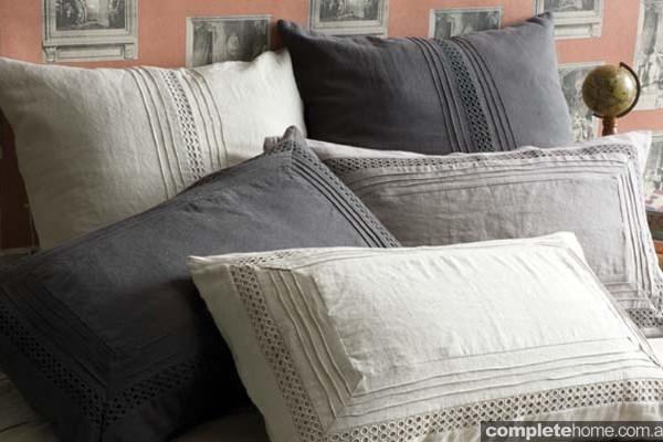 unbleached linen pillowcases