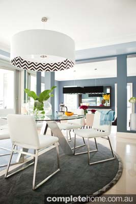 modern dining contrasting tones
