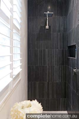 large contemporary design showerhead