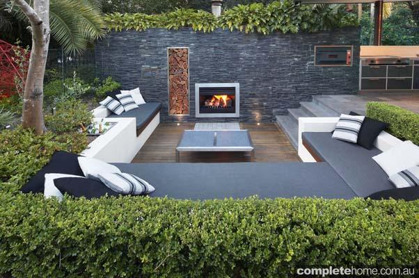 modern outdoor entertaining area