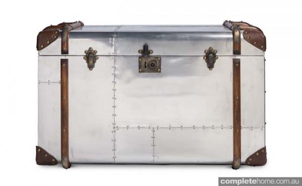 retro trunk Suitcase