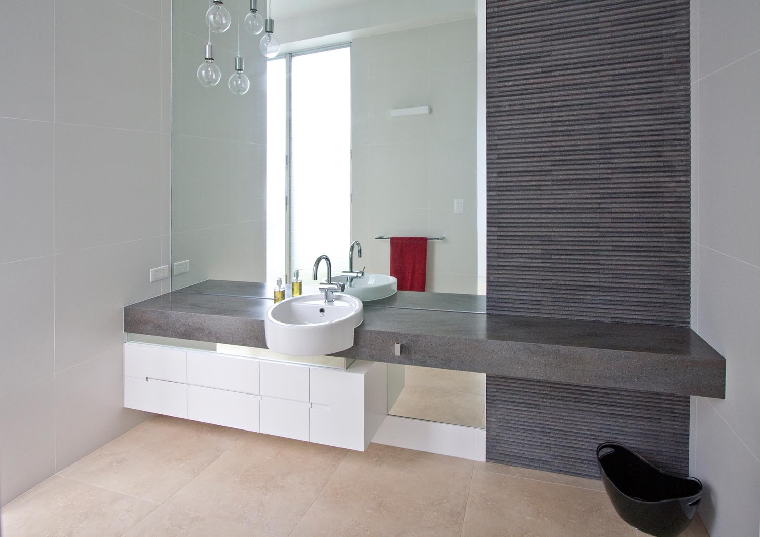 Bliss in a contemporary master ensuite completehome for Contemporary ensuite