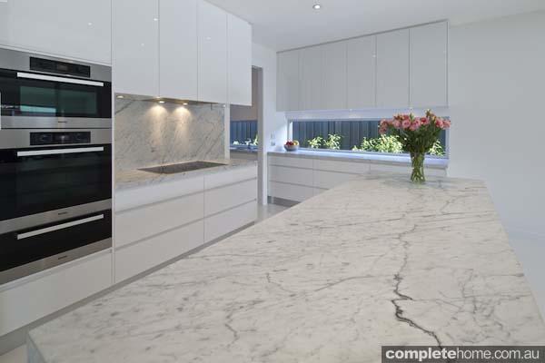 Carrera white kitchen - modern and chic kitchen design
