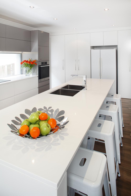 Sleek modern kitchen - Completehome