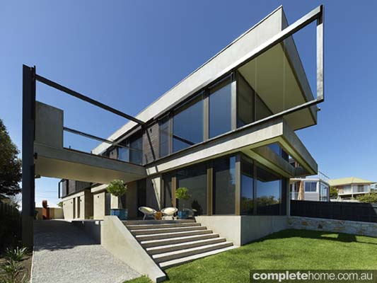 modern beach house style