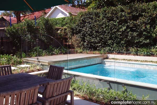 3-contemporary-warm-pool-design