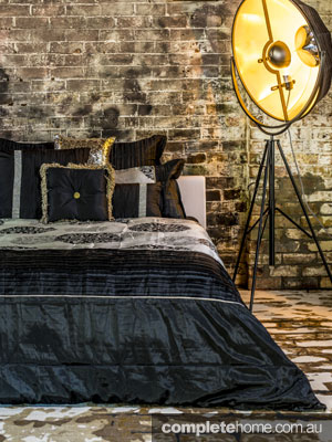black and sophisticated bedding and bedroom style